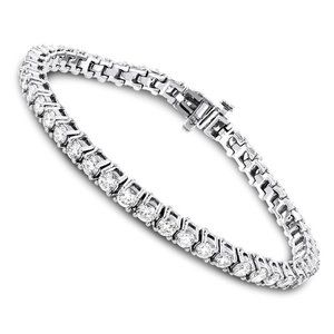 5.5 carats white round diamond women bracelet whit